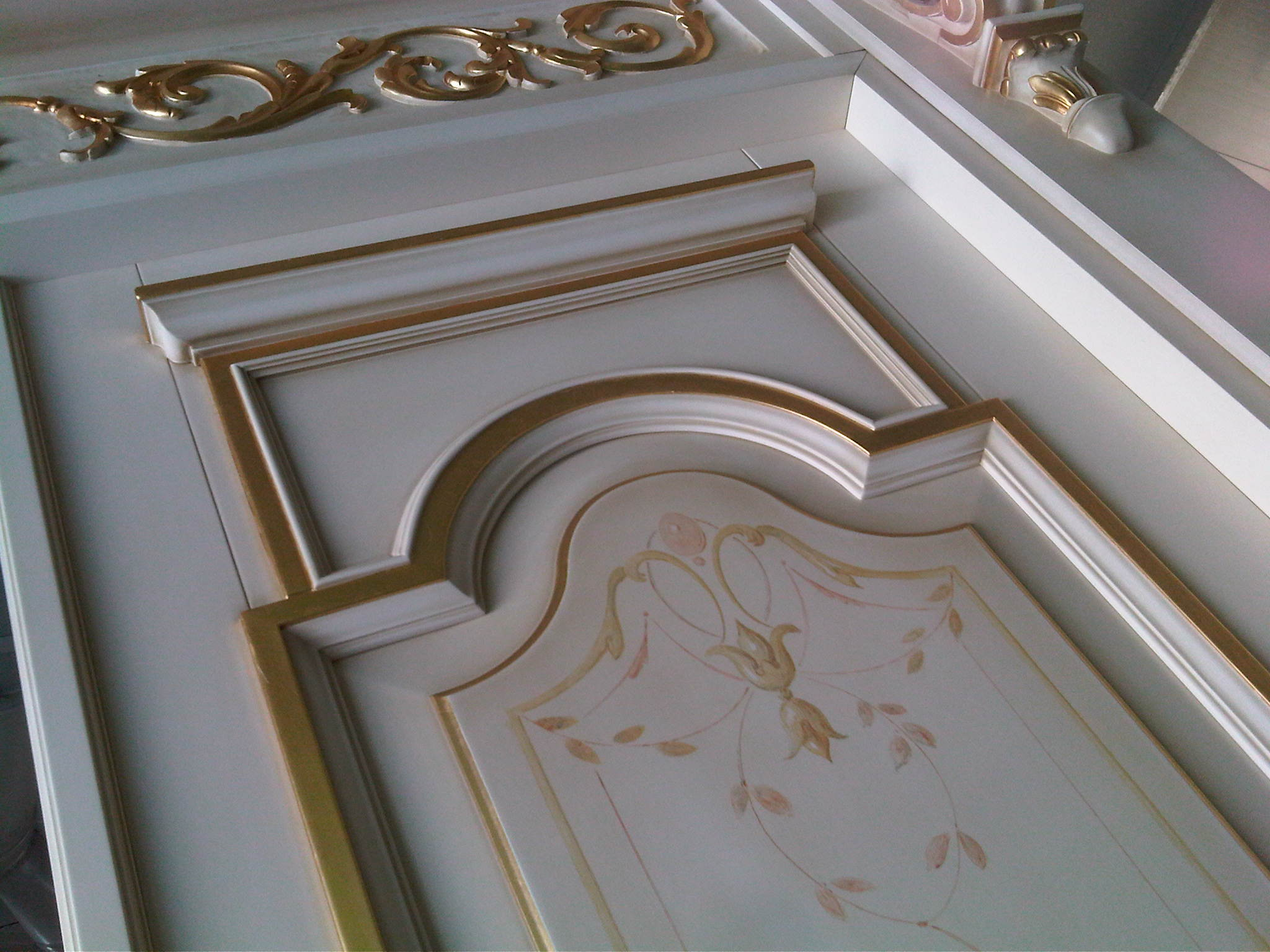 Xilema esempi d 39 intagli e decorazioni per porte interne - Decorazioni su porte interne ...